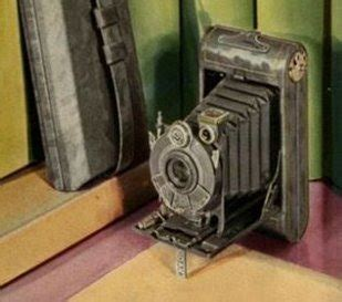 Kaos Traveler World Traveler 8 seorang time traveler tertangkap kamera tahun 1940 an