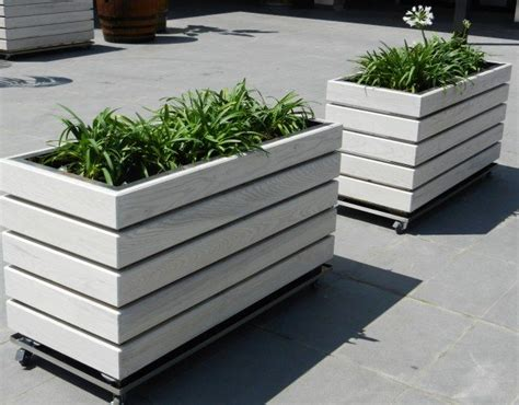 Wheels For Planters by Modern Diy Wooden Planter Plans On Wheels Diy