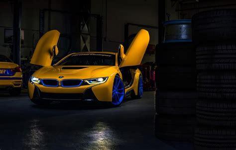 turner motor sports обои car garage yellow ligth doors motorsport
