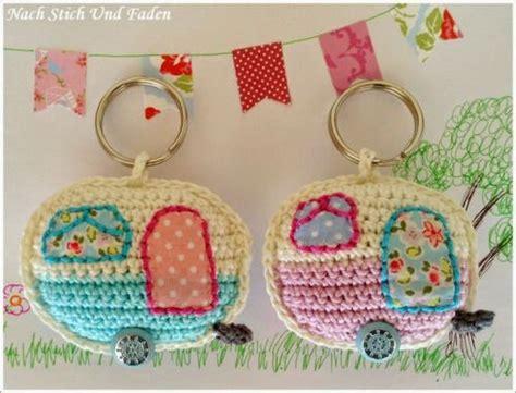 caravan knitting pattern mirigurumi retro caravan keyring free crochet pattern