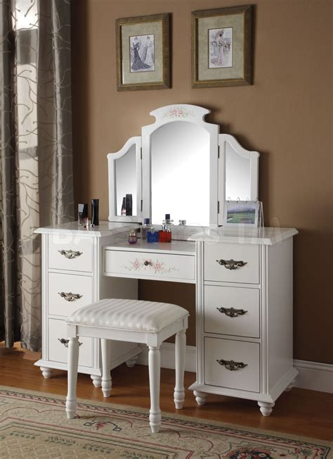 bedroom vanity sets with lighted mirror bedrooms bedroom vanity sets with lighted mirror trends