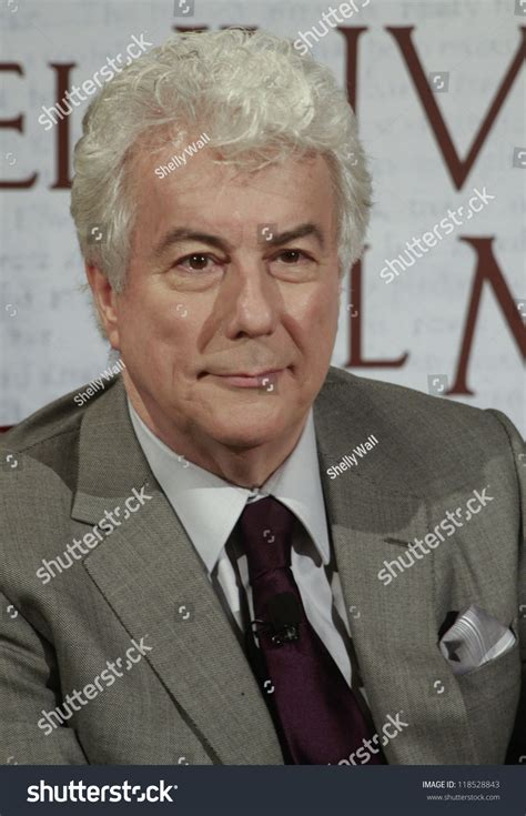 el invierno del mundo madrid october 24 ken follett presents his new historical novel quot el invierno del mundo