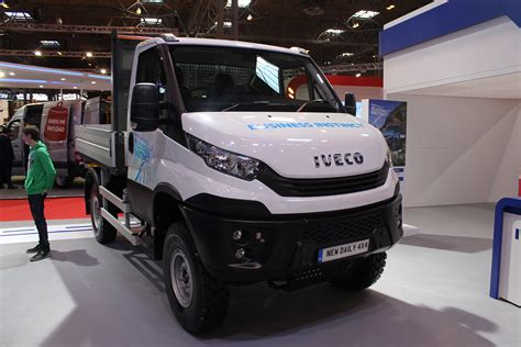 iveco daily  front view   cv show  commercial vehicle dealer
