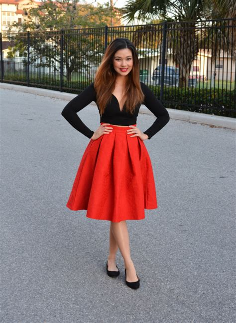 look gorgeous and become a trend setter with midi skirt