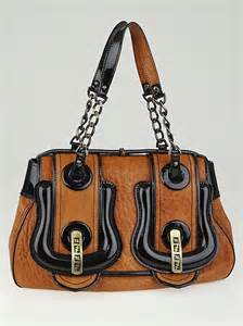 Fendi Patent B Bag Is Oh So by Fendi Brown Leather And Black Patent Leather B Bag Yoogi