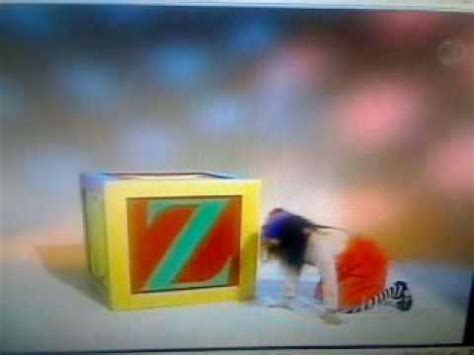 the big comfy couch make it snappy big comfy couch the alphabet game the letter z youtube