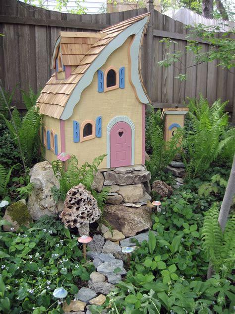 fairy garden houses gardens ideas thingsgarden miniatures fairy garden houses fairy houses fairies gardens