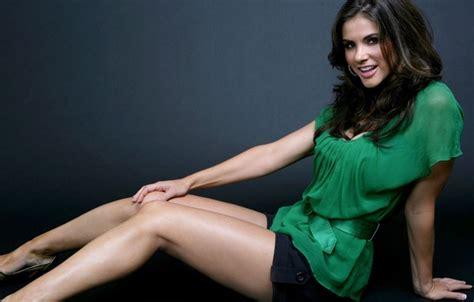girl wallpaper goodfon wallpaper girl legs skirt green dress images for