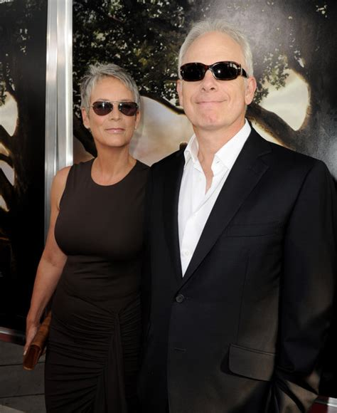 christopher guest spouse jamie lee curtis pictures premiere of warner bros