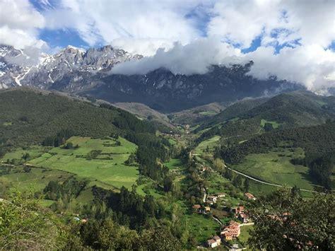 picos de europa spanische los picos de europa nos dan los buenos d 237 as hoy estamos en li 233 bana el tomavistas de santander