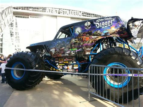 son of grave digger monster truck 17 best images about son uva digger on pinterest monster