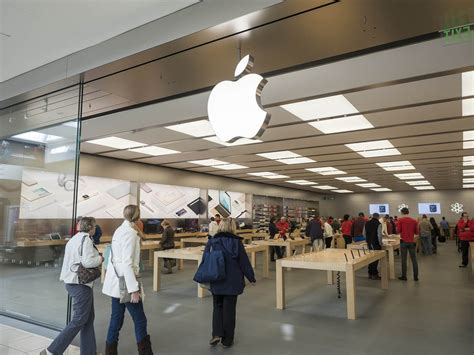 another california apple store smash and grab on techspot
