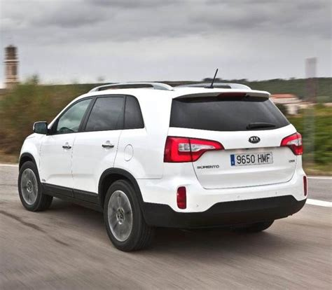 Revealed: 2014 Kia Sorento   LA 2012   Kelley Blue Book