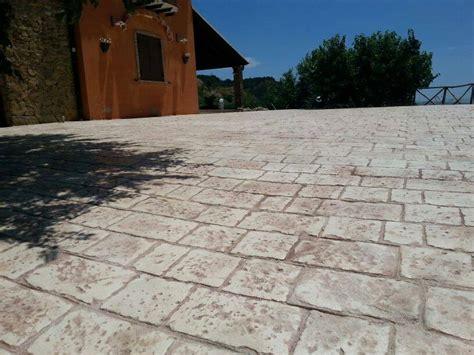 pavimenti in cemento per esterni prezzi pavimento esterno cemento stato prezzi samenquran