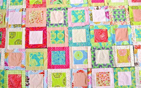 How to Make a Simple Square in a Square Quilt Block   Suzy
