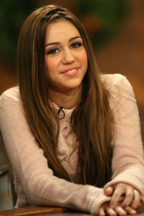 Lollobrigida The And 34 Years Younger 2 2 by Jak Wystylizować Się Na Miley Cyrus Zapytaj Onet Pl