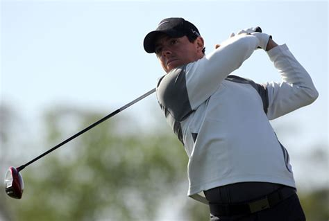 mcilroy swing newly single rory mcilroy focusing on world domination