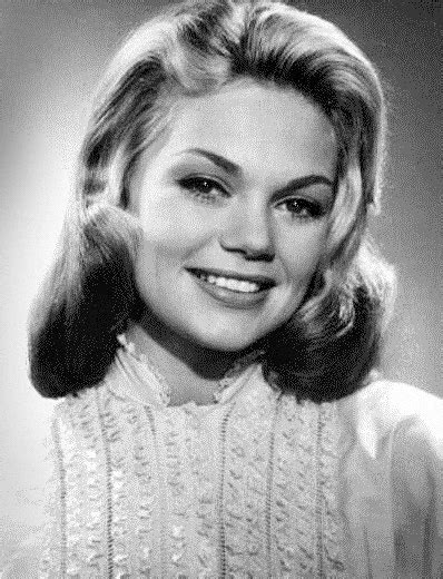 actress dyan cannon biography file dyan cannon 1950s cropped jpg wikimedia commons