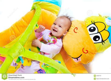 alimentazione a 8 mesi 8 mesi bambino fotografia stock immagine 2933110