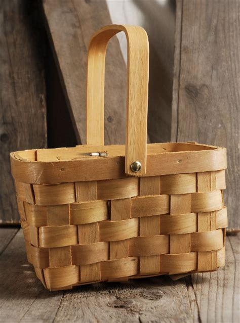Natural Chipwood Basket with Swing Handle & Liner 8x6