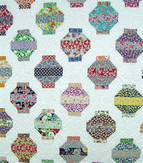 japanese pattern lanterns lantern quilt q is for quilter