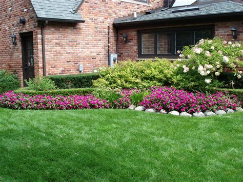 Pictures Of Landscaping simple side yard landscaping house design for ranch style