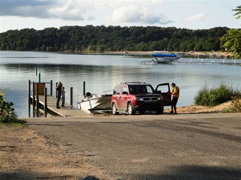 boat launch mission old mission peninsula boat rs and launches