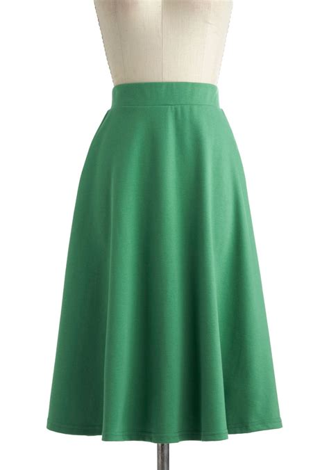 a o sway skirt in being green mod retro vintage skirts