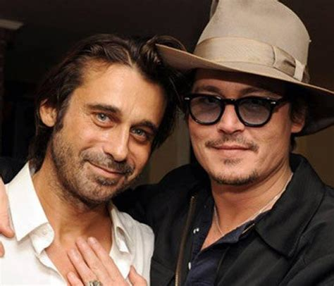 johnny depp biography in spanish jordi molla perales photos pictures stills images