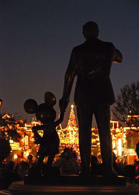 Disneyland Ceramic Magic Castle Tea Set - mickey mouse l post disney or shine