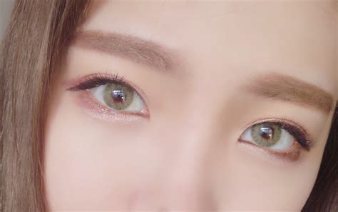 polar lights yellow green contacts enlarge pupils colored contact lenses hd polar lights