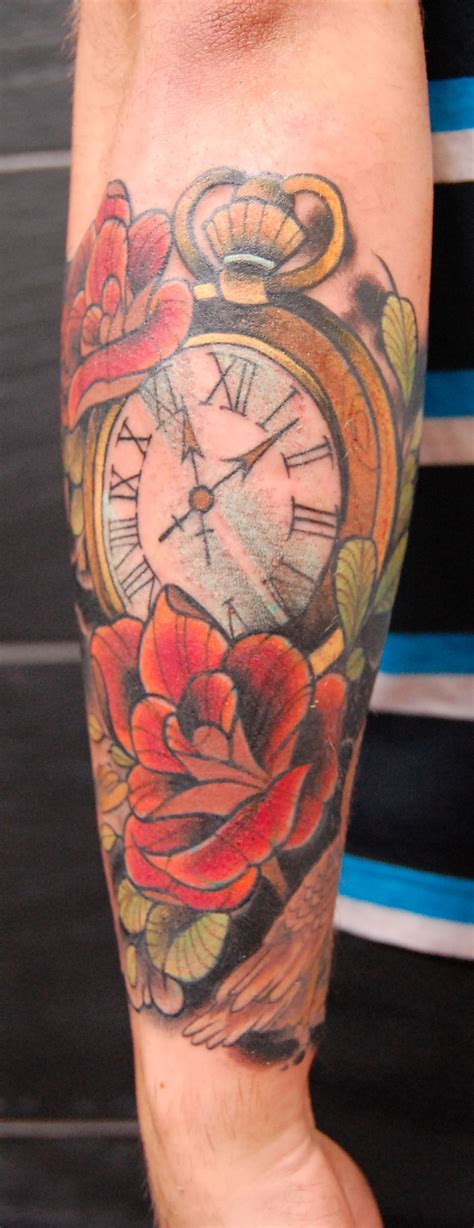 cracked tattoo traditional clock design 187 ideas