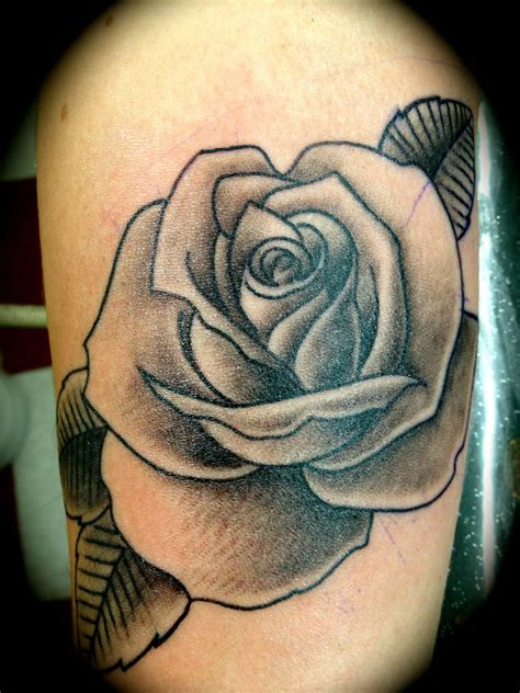 readyfreddiearroyo bg rose rose black and grey rose tattoo