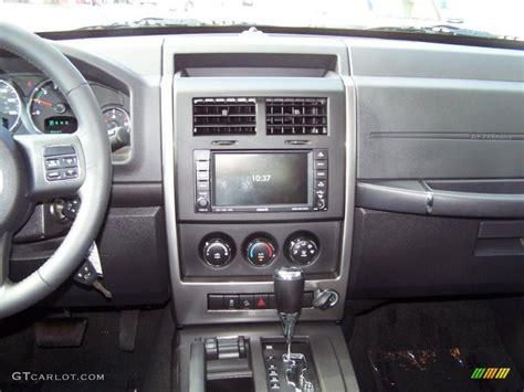 jeep liberty white interior jeep 2011 liberty interior www imgkid com the image