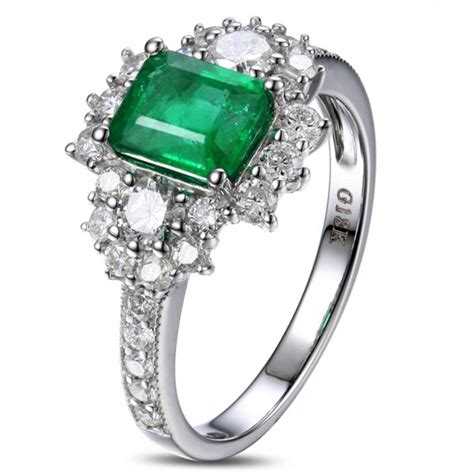 2 carat beautiful emerald and engagement ring for