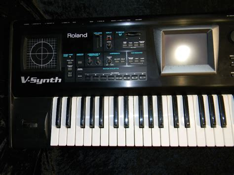 roland  synth doccasion