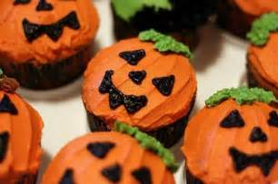 Kitchen Gadgets Must Have Halloween Themed Cupcakes Emorfes