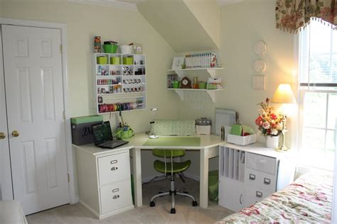 a techy with a cricut craft room