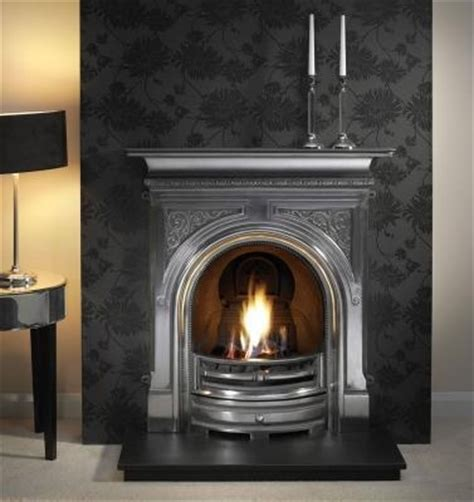 lovely 1930s style fireplace all fired up