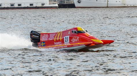 drag boat racing wiki file uim f2 world powerboat chionship stockholm 2013