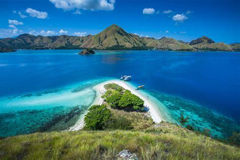 enjoy visit komodo island komodo island   bali