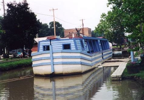 metamora canal boat ride aquaduct canal boat ride picture of metamora indiana
