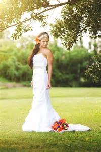 Wedding Poses by Bridal Pose
