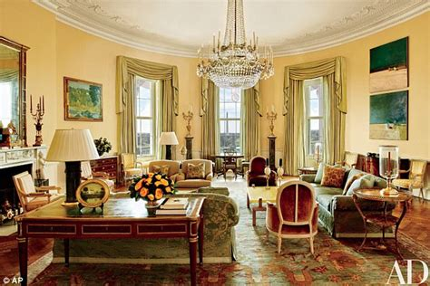yellow oval office the obama s interior designer white house is not a dump