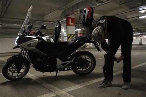 hedef motosiklet kullanicilarin guevenligi yeni akit