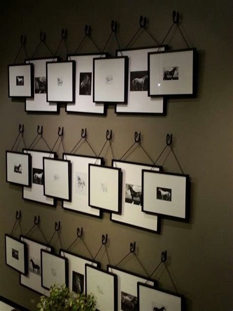 picture frame hanging ideas 25 best ideas about hanging picture frames on
