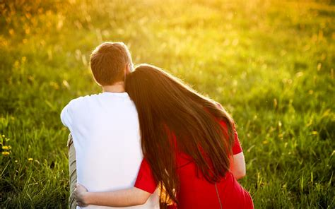 images of love of couple romantic young couple hugs and love scene wallpapers new