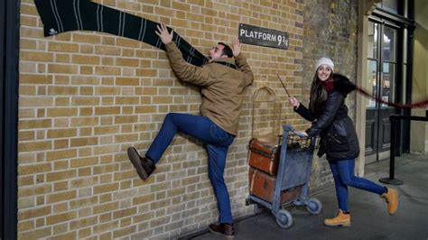 Kaos Harry Potter Harry Potter Platform 9 And 3 4 Graphics Lengan Panj the harry potter shop at platform 9 190 children s clothing accessories visitlondon