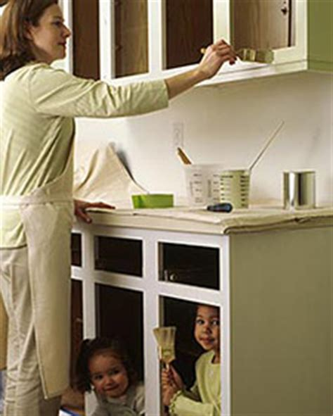 How To Paint Vinyl Kitchen Cabinets Painting Vinyl Cabinet Doors Cabinet Doors Kitchen