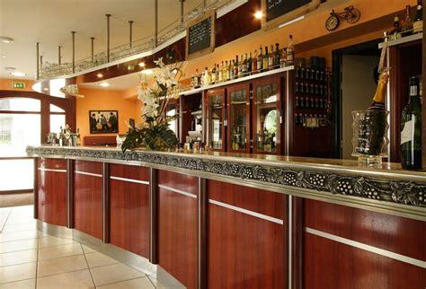 comptoir des voyageurs restaurant locronan 29180 manger